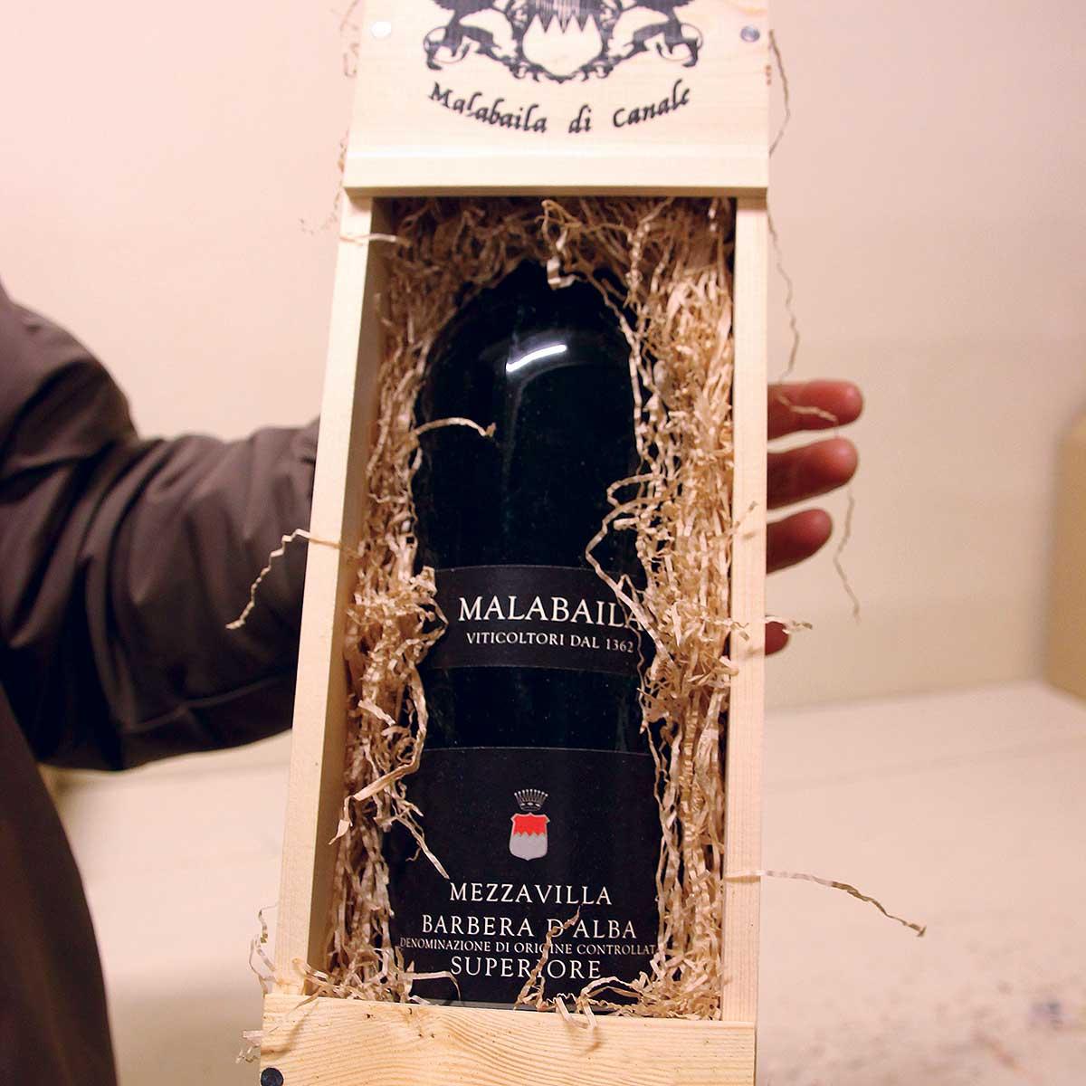 """Cassetta in legno """"Malabaila"""" con una bottiglia magnum, bis"""